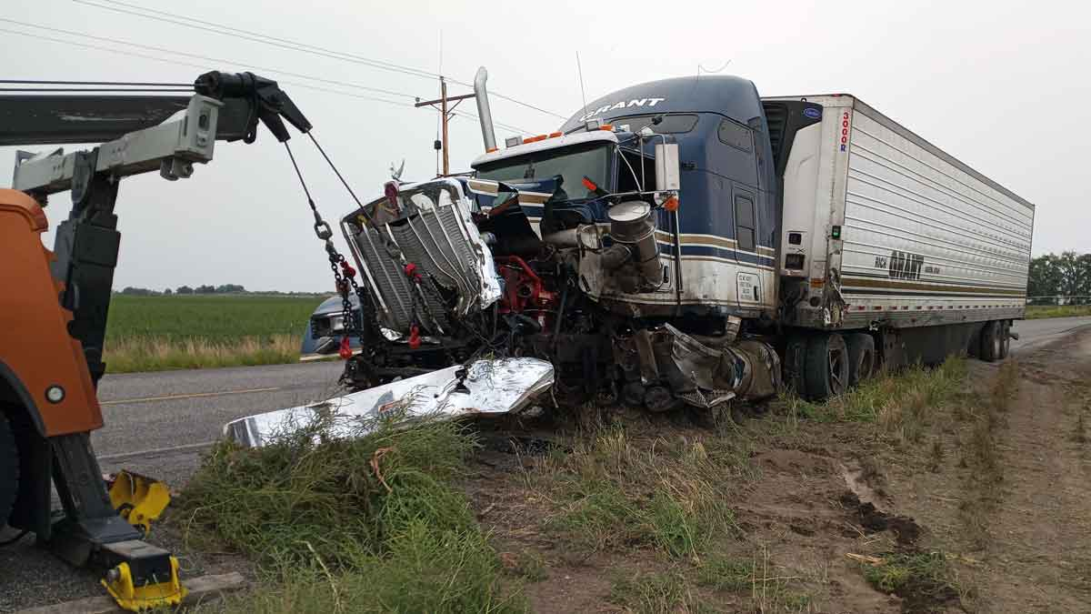Commercial Truck Towing